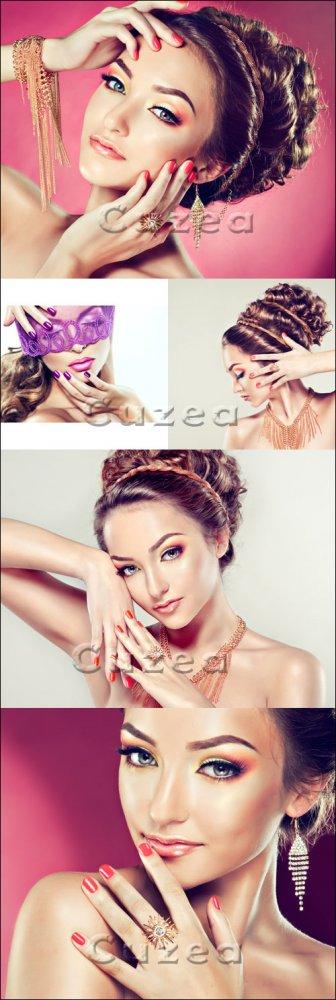 Гламурная девушка с золотыми украшениями/ Glaumour fashion girl - Stock pho ...