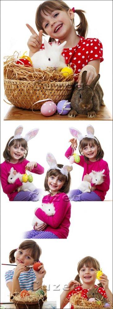 Девочка и кролик в канун Пасхи/ Easter girl with rabbit - Stock photo