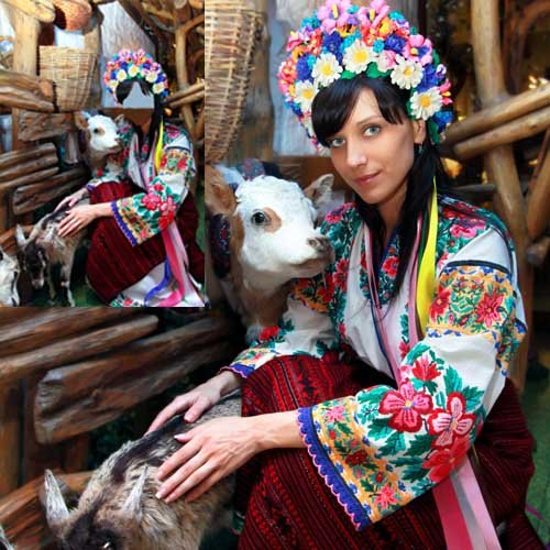 Шаблон женский - Девушка в селе на Украине