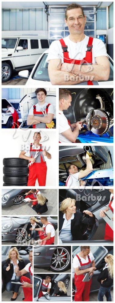 Auto mechanic / Авто механик в мастерской с инструментами