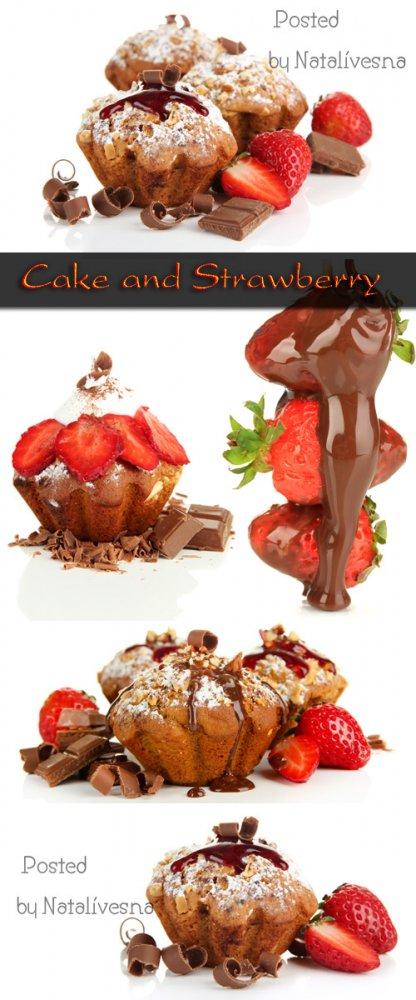 Кекс и клубника на белом фоне / Cake and strawberry - Stock photo