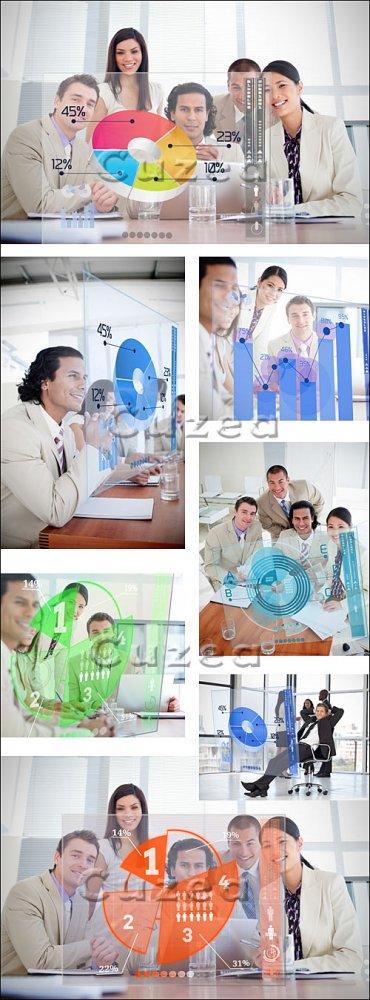 Клипарт бизнес команды в  офисе с диаграммами / Smiling business workers -  ...