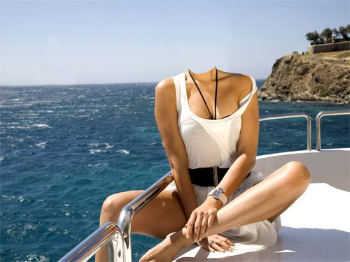Шаблон для девушек - Девушка на яхте по морю