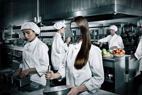 Девушка повар профессиональной кухни - шаблон для фотомонтажа