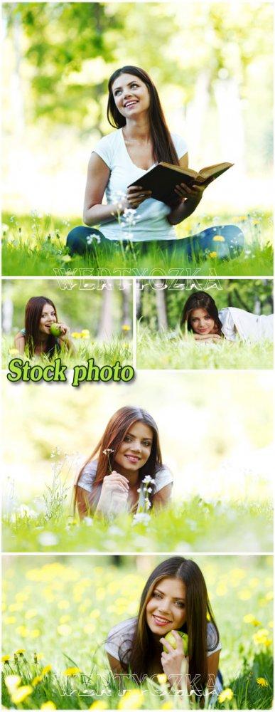 Девушка с книжкой на природе / Girl with a book on nature - Raster clipart