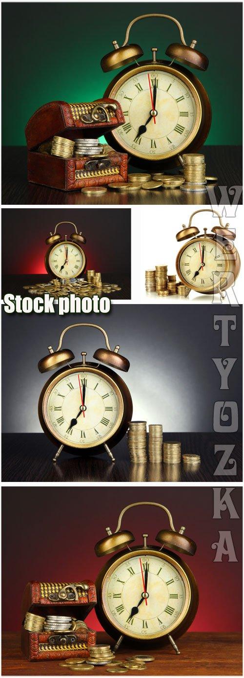 Часы и золотые монеты / Watch and gold coins - Raster clipart