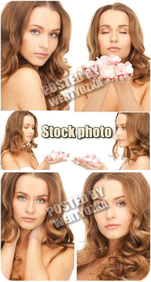 Девушка с цветочными лепестками / Girl with flower petals - stock photos