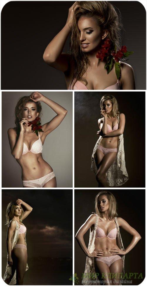 Красивая девушка на темном фоне / Beautiful girl on dark background - Stock ...
