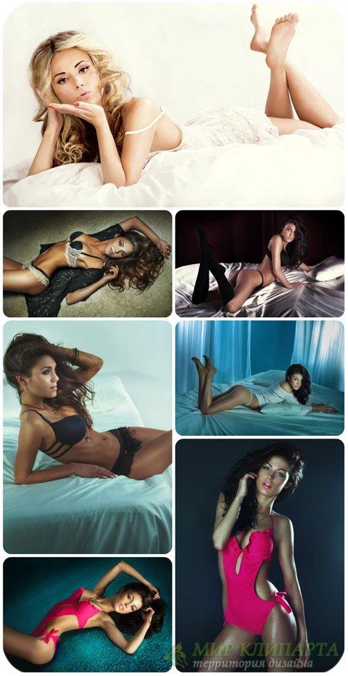 Соблазнительные молодые женщины / Seductive young woman - Stock Photo