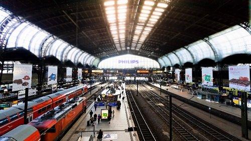 Футаж Таймлапс Гамбургский Автовокзал HD / Hamburg Hauptbahnhof Timelapse F ...