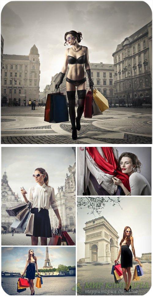 Шопинг, девушка с покупками, креатив / Shopping, girl with shopping, creati ...