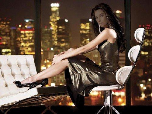 Шаблон psd женский - Сидя у окна в офисе