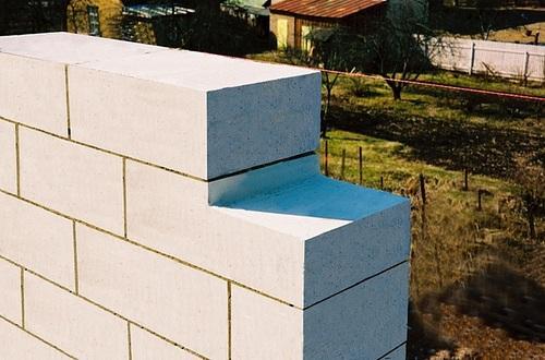 Преимущества пеноблоков при строительстве дачи